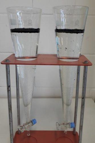 Kuva 1: Laskeutuvien aineiden määrittäminen; rengasjauhe ei laskeudu